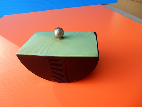 1930'S BAKELITE BOX