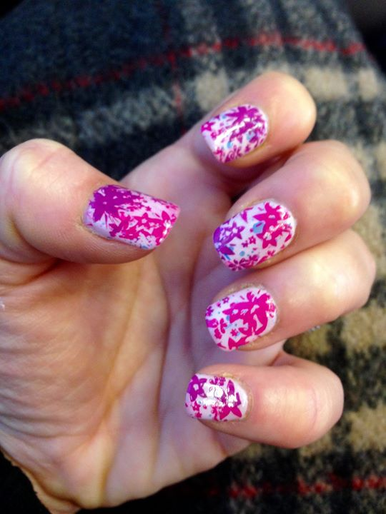 Facebook - Silly Friday nails