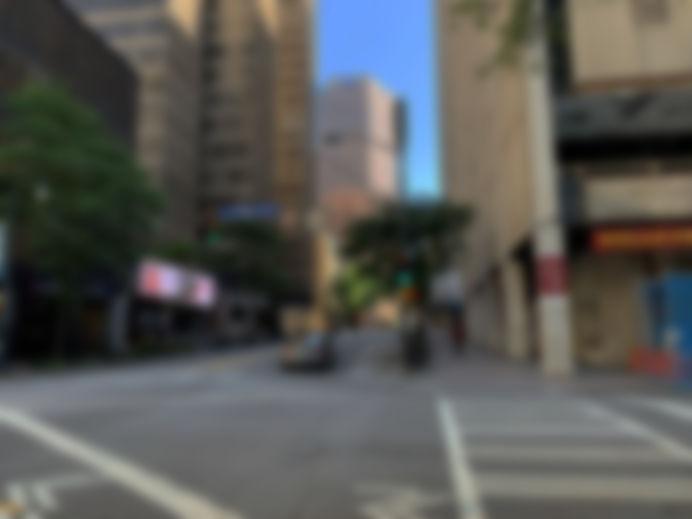 Peachtree St at John Portman Blvd Blur D