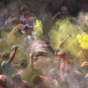 Zousmer Color Holi 1