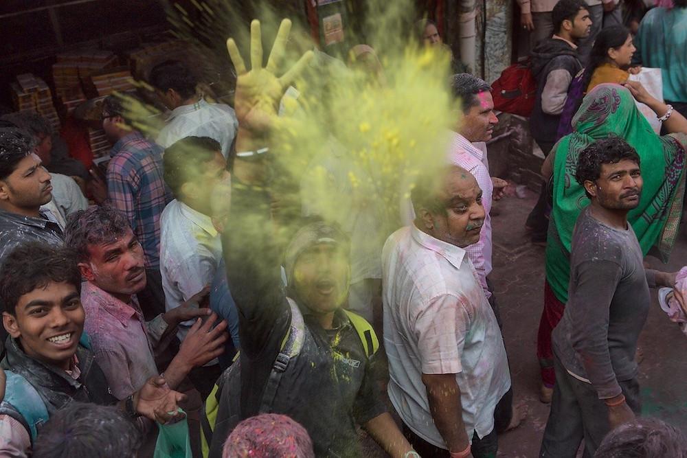 Throwing yellow dye