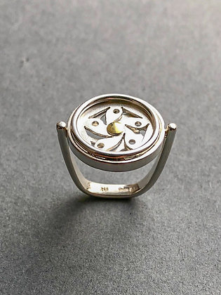'Changeable Flowers' Ring, Sterling Silver, 18 KT Yellow Gold