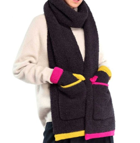 Contrasting Color Knitted Sherpa Scarf
