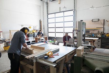 Atelier de menuiserie en entreprise