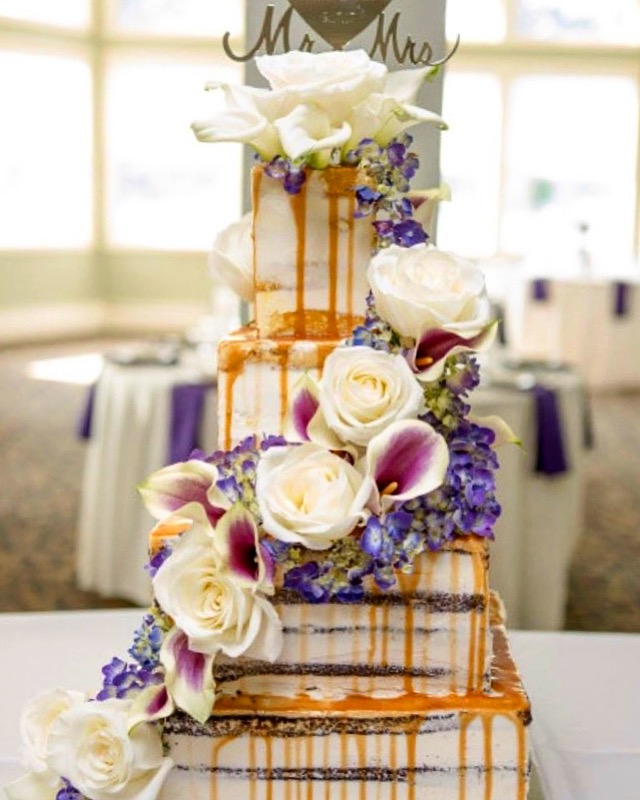 Naked Cake and florals