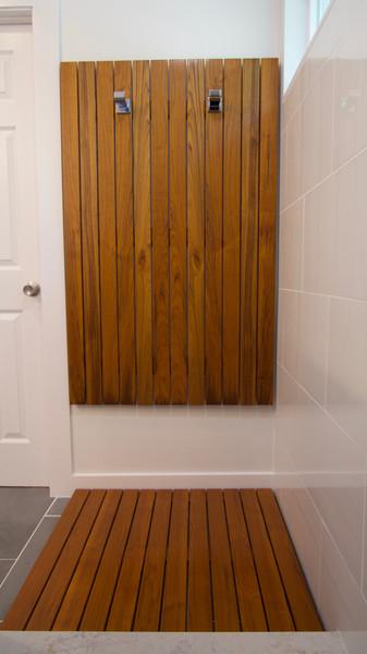 Custom Towel and Drying Mat in Teak