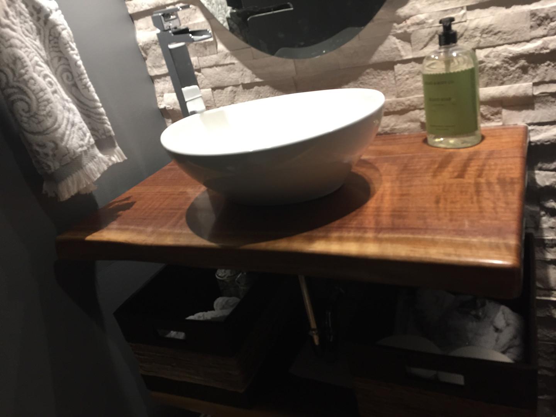 Bathroom vanity in walnut