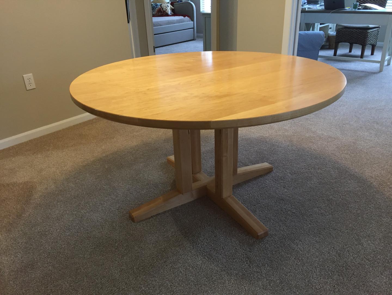 Maple Pedestal Table