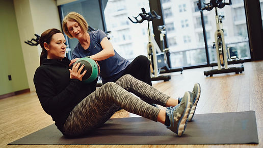 Core rotation with medicine ball