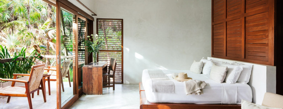 Oceanview-Deluxe-Balcony-Suite-1024x683.