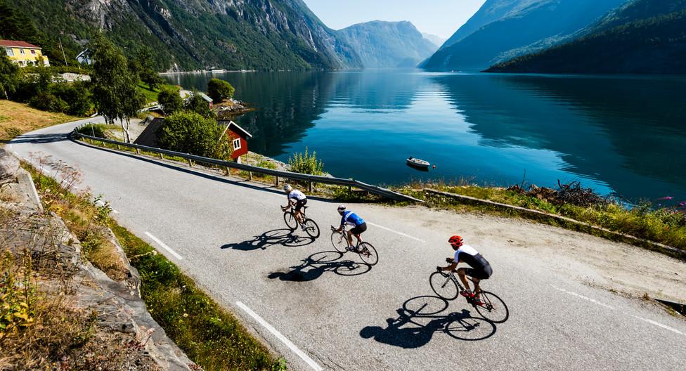 Biking_PhotoCredit_FjordNorway_fjordnorw