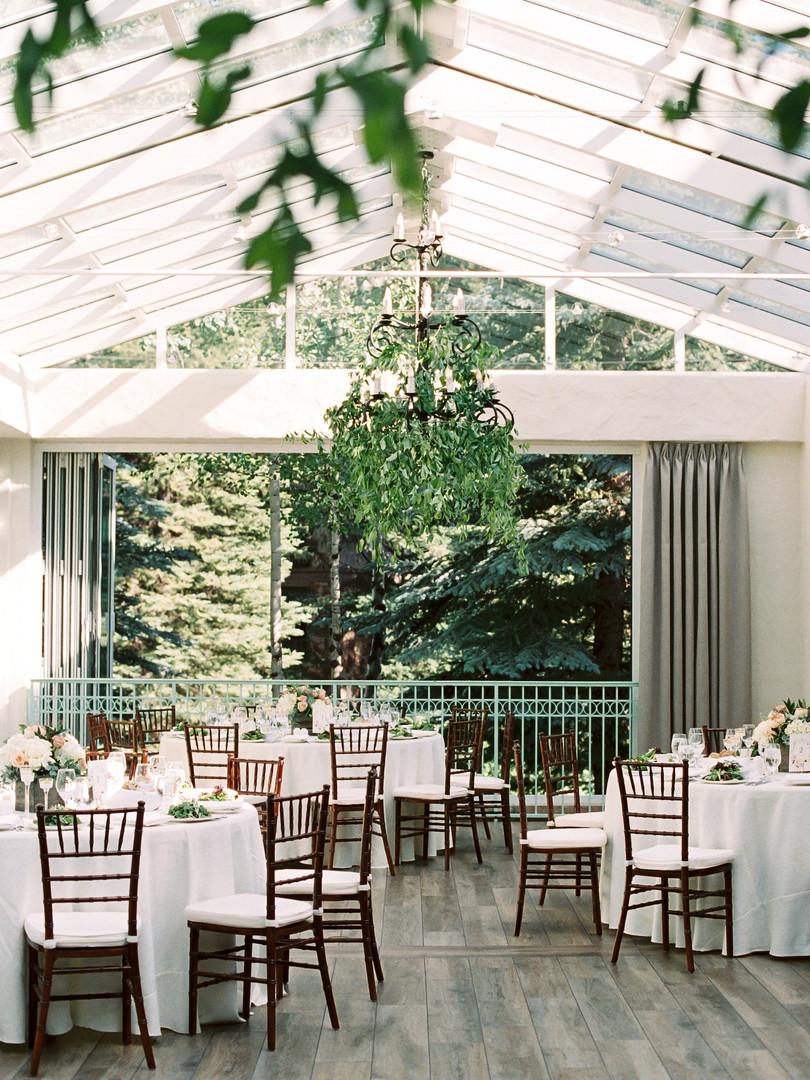 sonnenalp-wedding-chandelier-greenery.jp