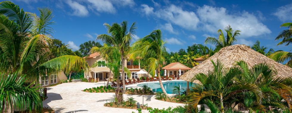 pool and grounds at sirenian bay.jpg