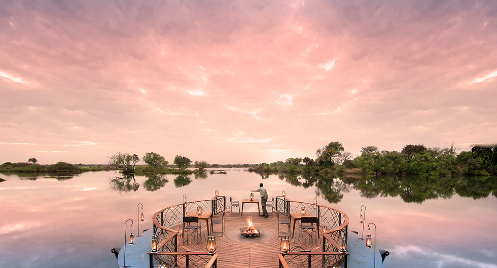 african bush camps_thorntree river lodge_romantic dinner_go2africa.jpg