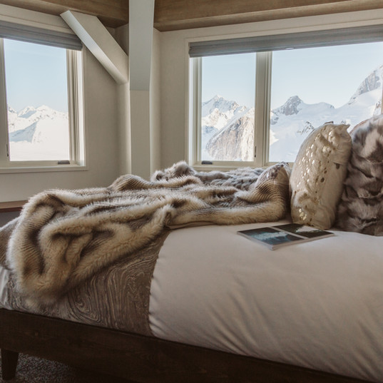 SheldonChalet_Alaska_LuxuryRooms_Credit_