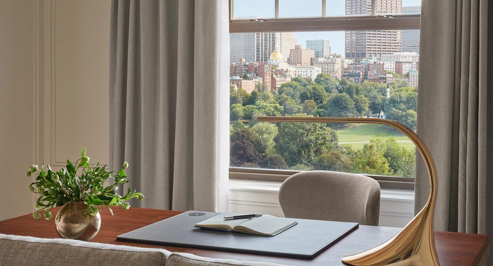 the newbury boston_classic park view suite_3.jpg