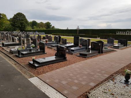 Nieuwe klinkerpaden voor het kerkhof in Wijer