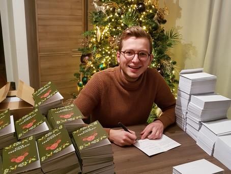 Arnoud schrijft meer dan 3000 kerstkaarten