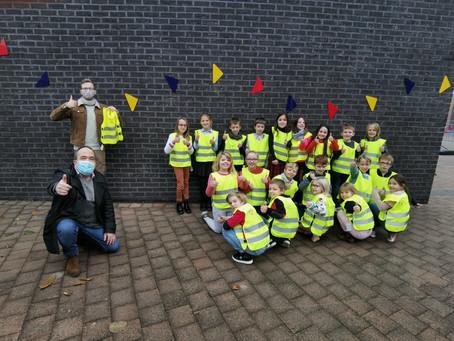 Een fluohesje voor alle kinderen van Nieuwerkerken