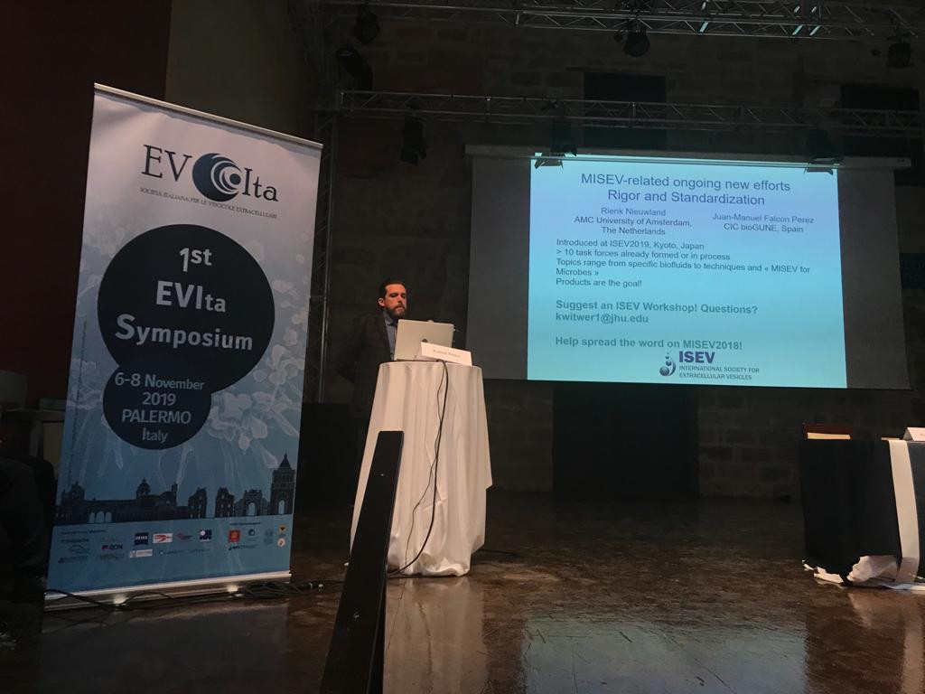 Dr Witwer, presenting Yiyao Huang et al work and MISEV 2018 at EVIta 2019