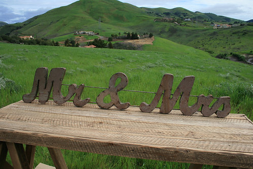 Lg. Cursive Metal Mr. & Mrs. Sign