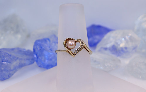 10 KT Pearl Heart Ring with Diamond Accents