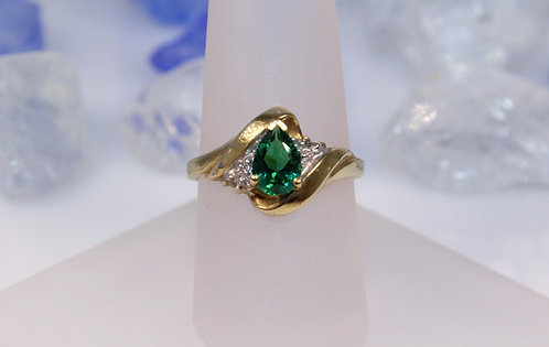 10 KT Gold Emerald Ring with Diamond Accents