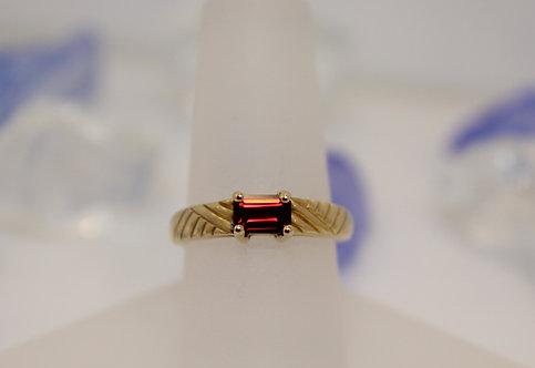 14 KT Gold Garnet Ring