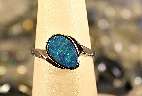 14 KT White Gold Ring With Australian Opal