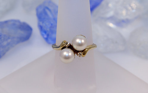 14 KT Gold Pearl Ring with Diamond Accents