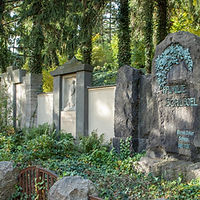 Friedhof_Planitz_Grab_35.jpg