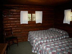 Cabin 1 - bedroom 2.jpg