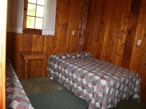 Cabin 9 - bedroom 2.JPG