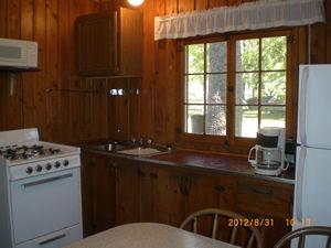 Cabin 10 - kitchen.JPG