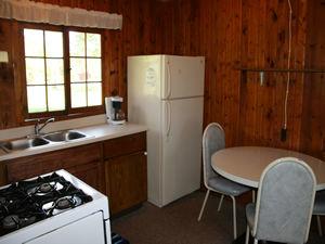 Cabin 9 - kitchen picture 2.JPG