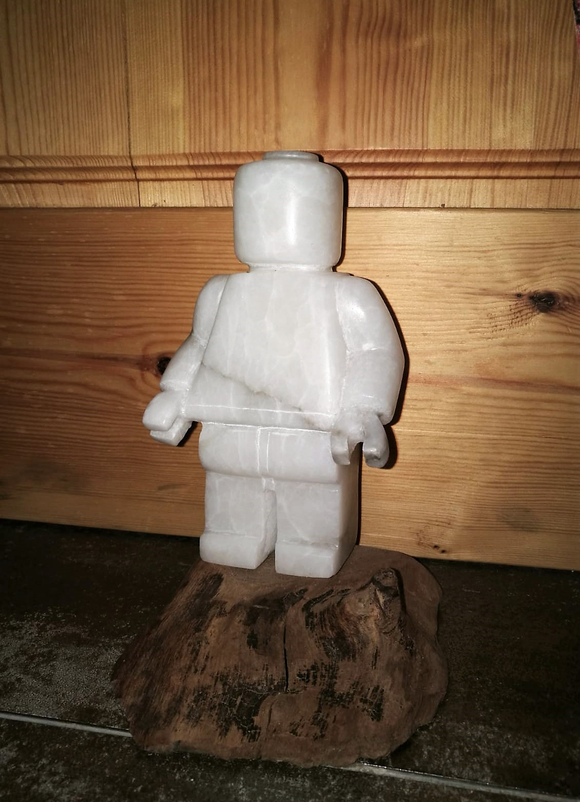 Figura lego-alabastro-piedra-artesanía-t