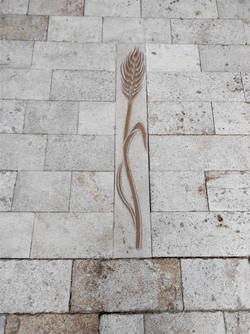Pavimento iglesia Ejulve5-talla-piedra-a