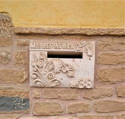 Buzón-talla-piedra-artesania-1- piedra c