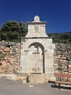 Fuente Tronchón-piedra-artesanía-talla-t