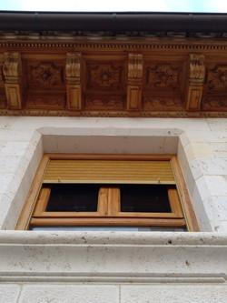 Detalle ventana-piedra-artesanía-talla-