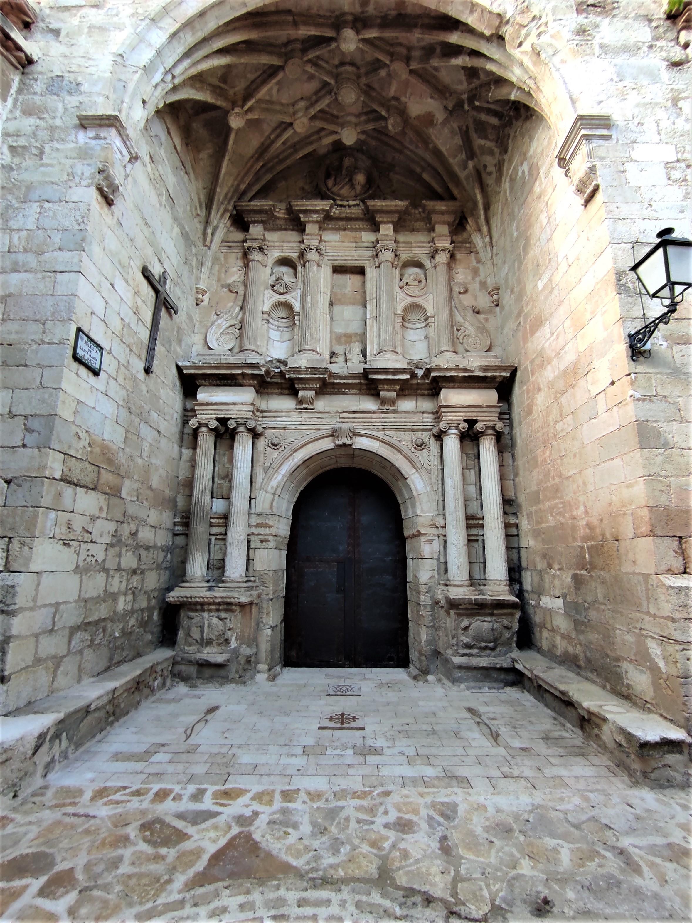 Pavimento iglesia Ejulve2-talla-piedra-a