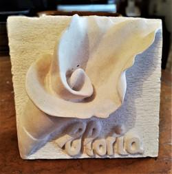 Gloria-piedra-artesanía-talla- caliza bl