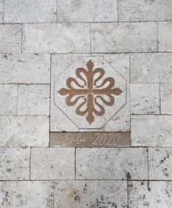 Pavimento iglesia Ejulve3-talla-piedra-a