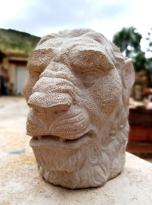 Cabeza león-piedra-artesanía-talla-areni