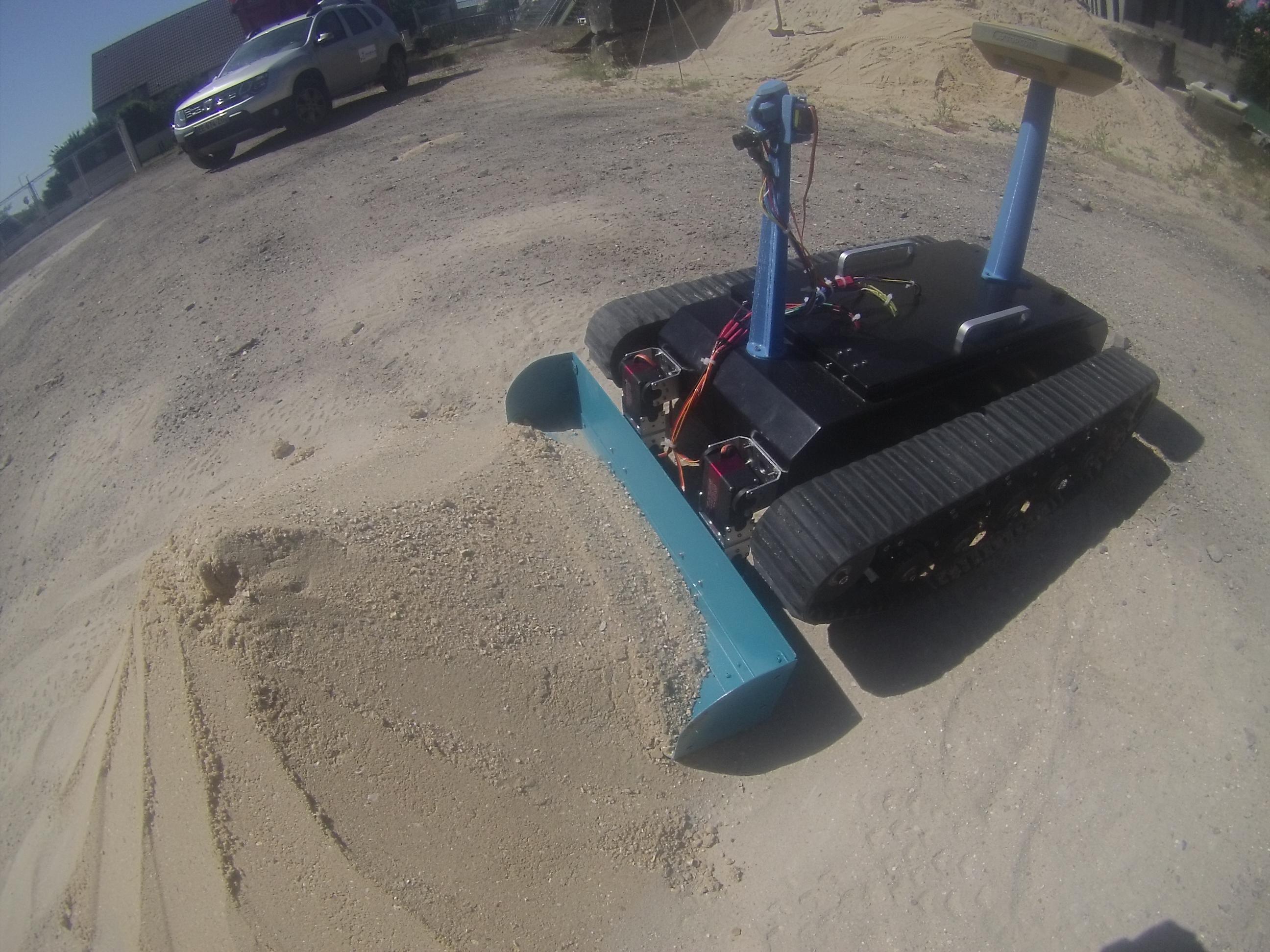 P7-ENTREE DU ROBOT DANS SABLE.JPG