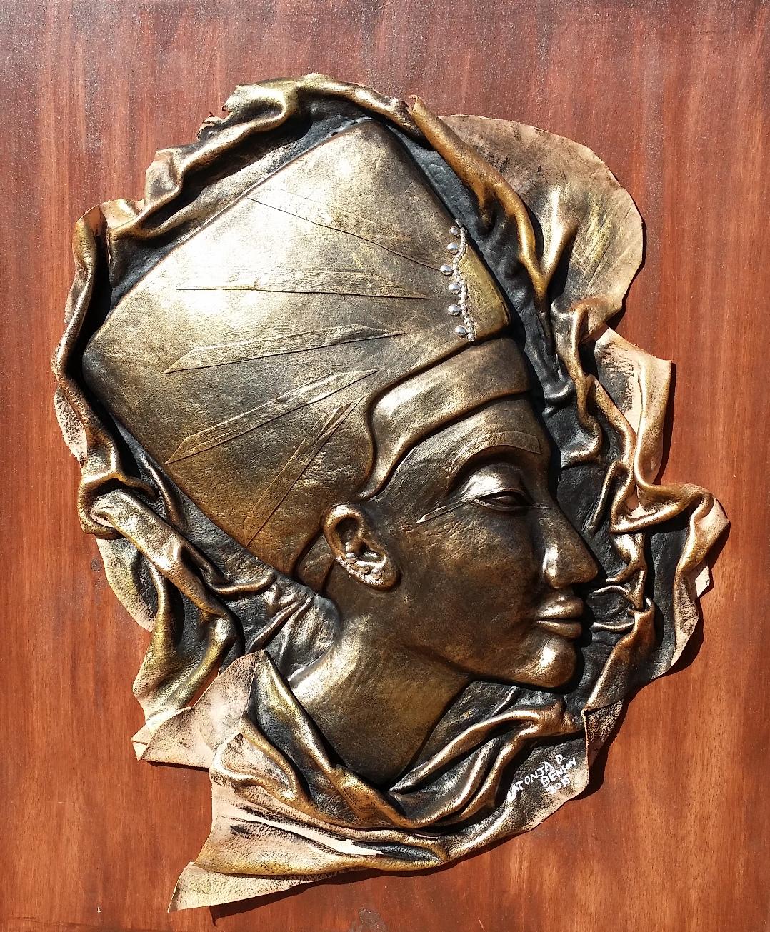 Queen I (bronze)