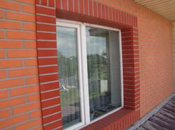 Фасадная панель кирпич на шурупах