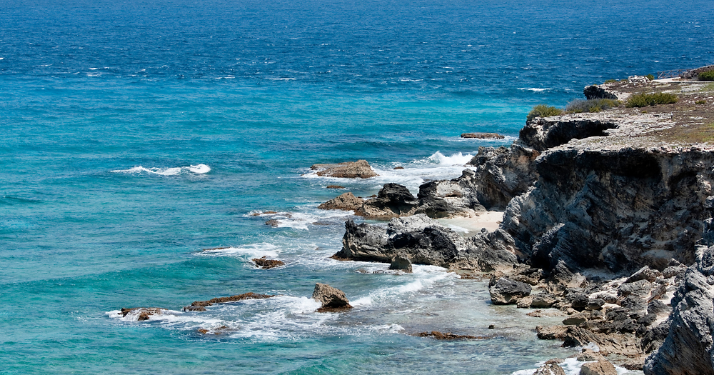 Isla Mujeres south end cliffs