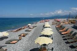 Зонтики на пляже Батуми