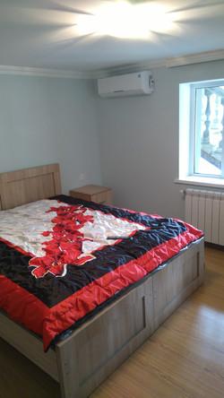 Одна из спален гостевого дома